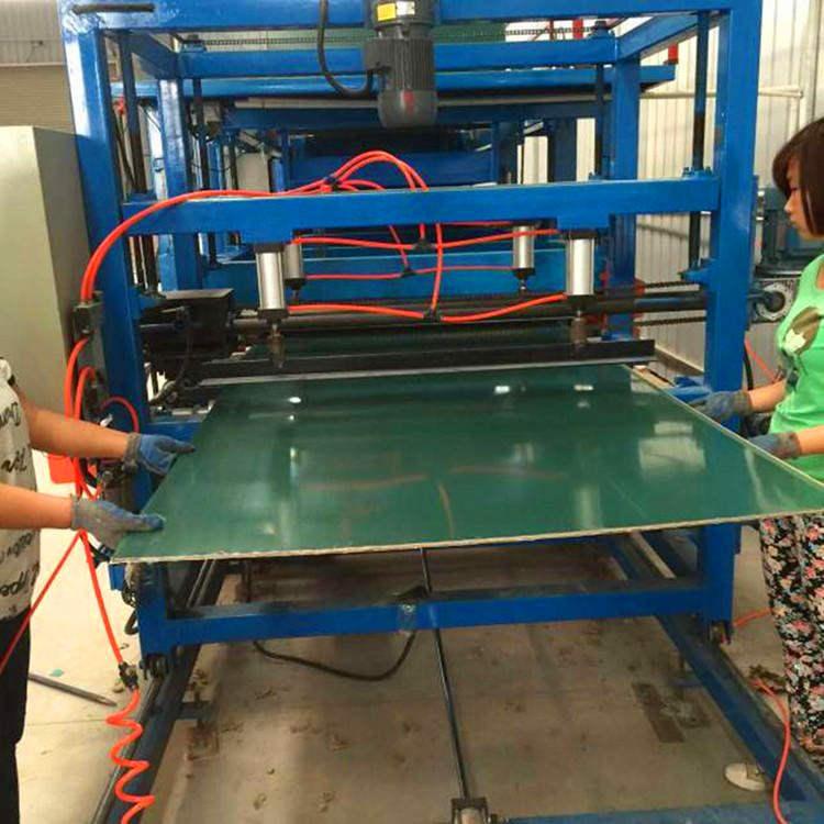 教学黑板生产线 全自动泡沫纸板夹心复合机现货价格