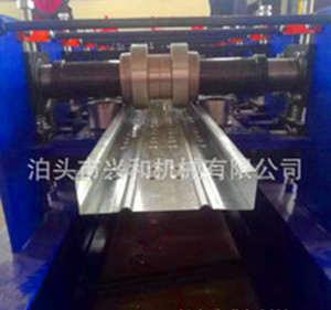 钢结构脚手架设备专业厂家兴和 全自动250两用踏板压瓦机价格