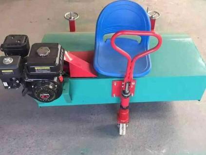 小型汽油梳草机 人造草坪梳草机 电动毛刷刷草设备